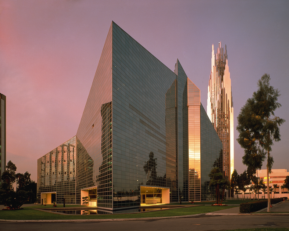 07Relg Crystal Cathedral 01